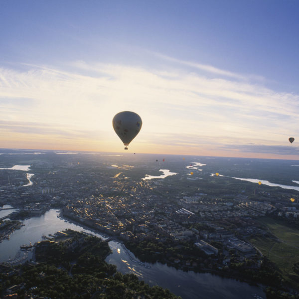 Stockholm_View_in_sunset_Ballons_Photo_Jeppe_Wikstrom_75_High-res